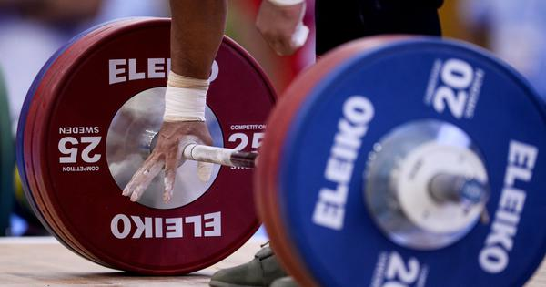 Weightlifting: Wada investigates doppelgangers being used for supplying false urine samples
