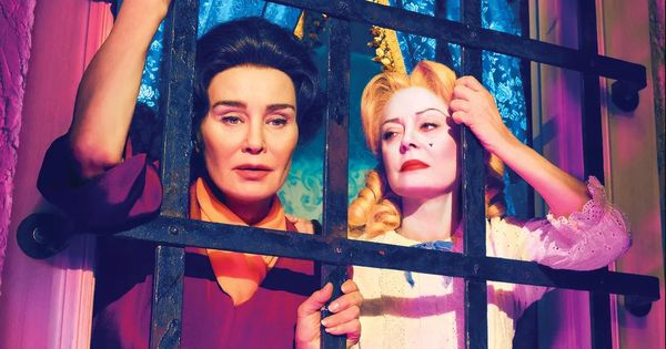 'Feud: Bette and Joan' review: Classic Hollywood glamour and a generous use of the b-word