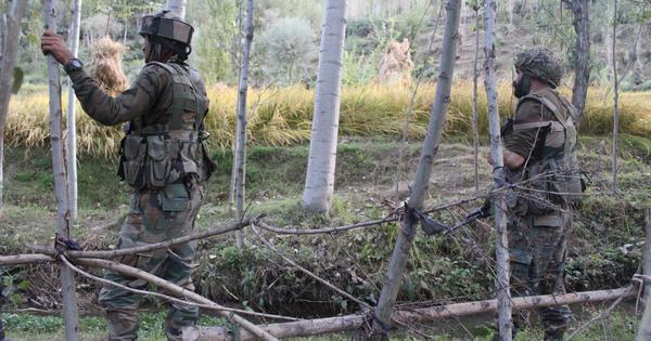 जम्मू-कश्मीर : सुरक्षा बलों ने पांच आतंकवादियों को मार गिराया