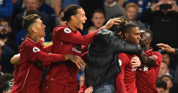 Daniel Sturridge's late strike helps Liverpool continue unbeaten run in Premier League