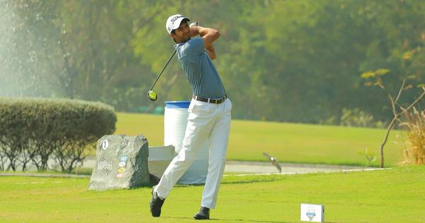 Dhruv Sheoran shines in his first round as a professional golfer at PGTI Feeder Tour in Delhi