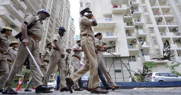 Noida: 18 police officers transferred for allegedly planning to bribe businesspersons