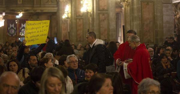 छोटे बच्चों तक का यौन शोषण कैथोलिक चर्च में कोई नई बात नहीं है