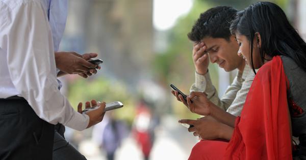 मोबाइल इंटरनेट स्पीड के मामले में भारत के पाकिस्तान से भी पीछे होने सहित आज की प्रमुख सुर्खियां