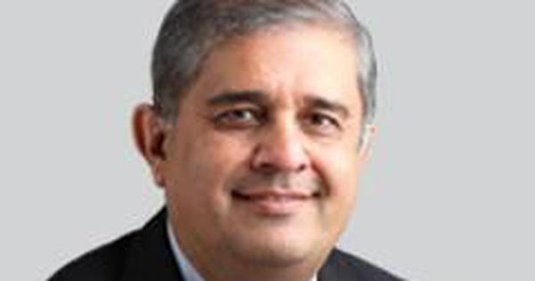 Axis Bank appoints HDFC Life's Managing Director Amitabh Chaudhry as its chief