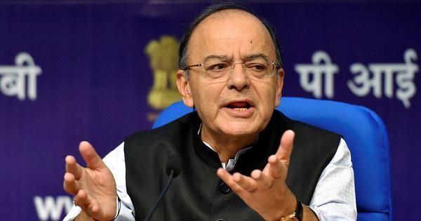 अरुण जेटली ने सोशल मीडिया पर एक पोस्ट में राहुल गांधी को 'मसखरा राजकुमार' कहा