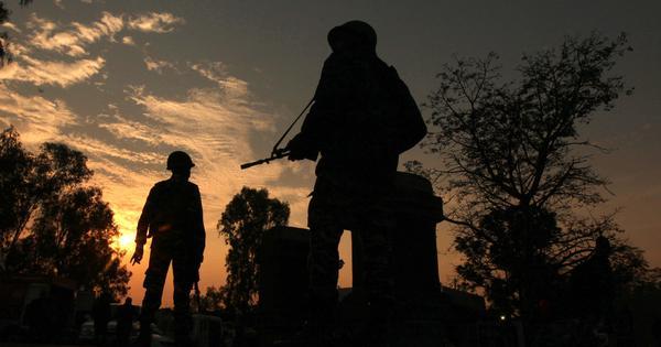 जम्मू-कश्मीर : पाकिस्तानी सैनिकों ने बीएसएफ के एक जवान की गला रेतकर हत्या की