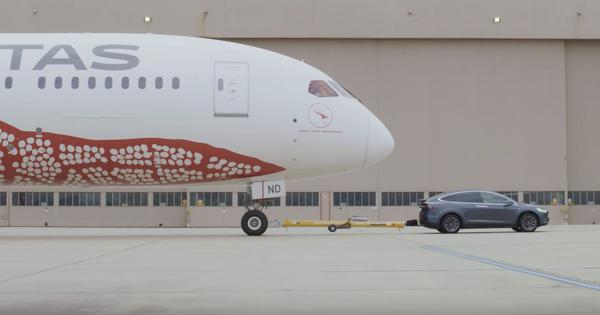 Watch: A Tesla car towed a Boeing 787-9 airplane for nearly one kilometre (and set a world record