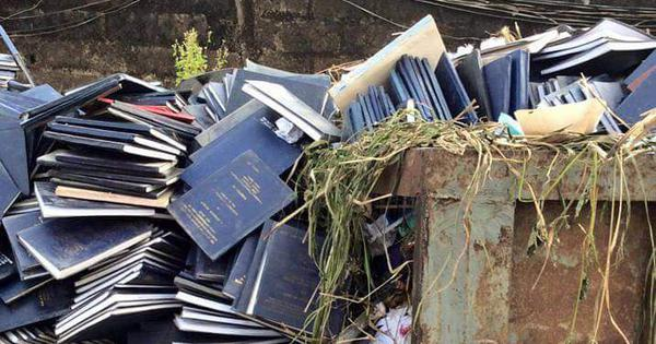 कूड़े में पड़ीं छात्रों की ये प्रोजेक्ट फ़ाइलें क्या वाकई भारत के किसी विश्वविद्यालय की हैं?