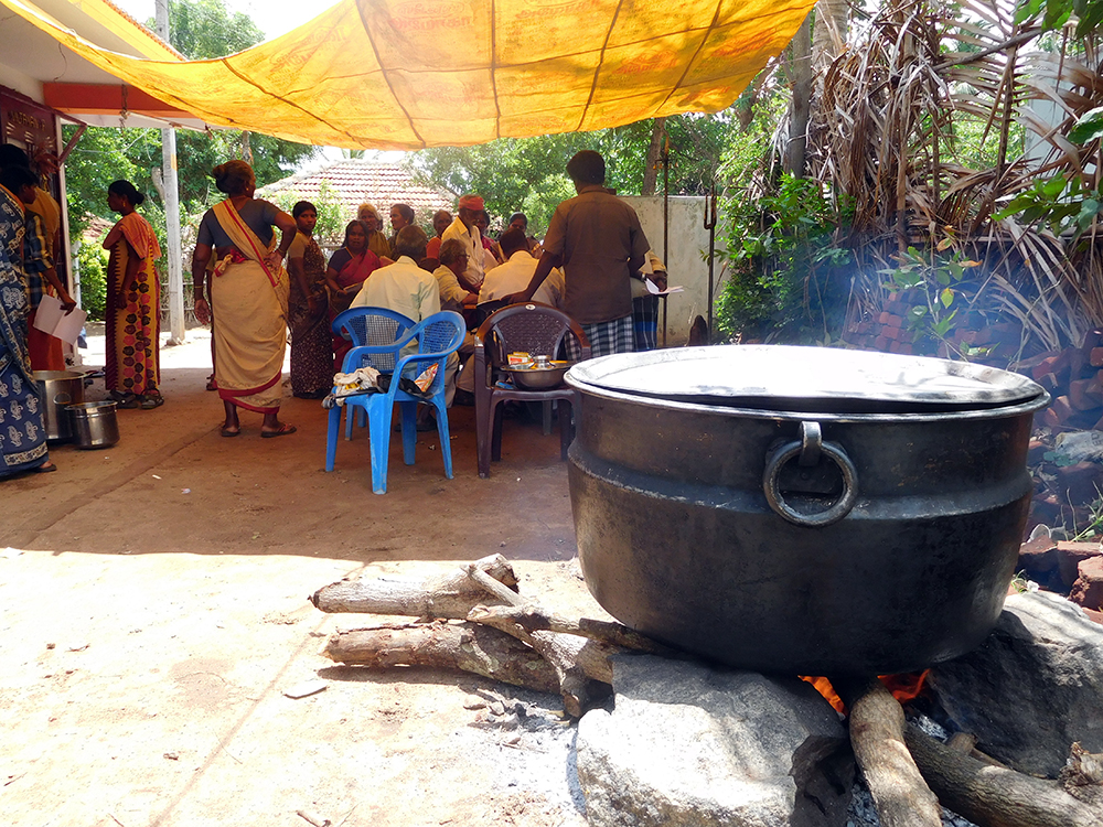 Lunch being cooked outside Madurai Veeran Temple. Photo credit: TA Ameerudheen