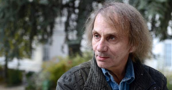 Charlie Hebdo: Houellebecq novel feeds fantasies of France's angry right