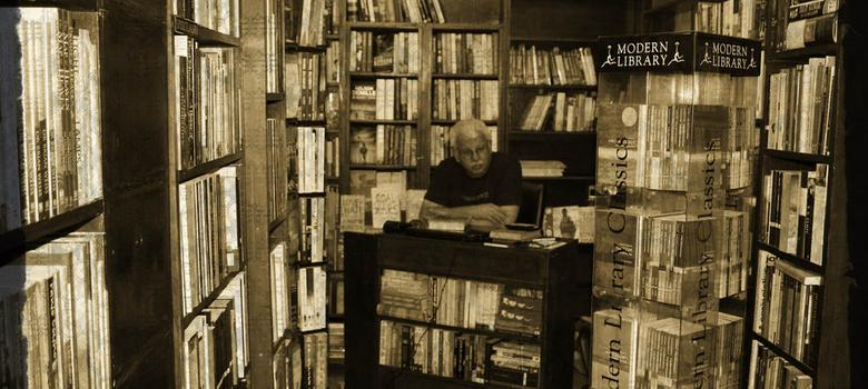 Why bookshops are closing down when book-reading is thriving