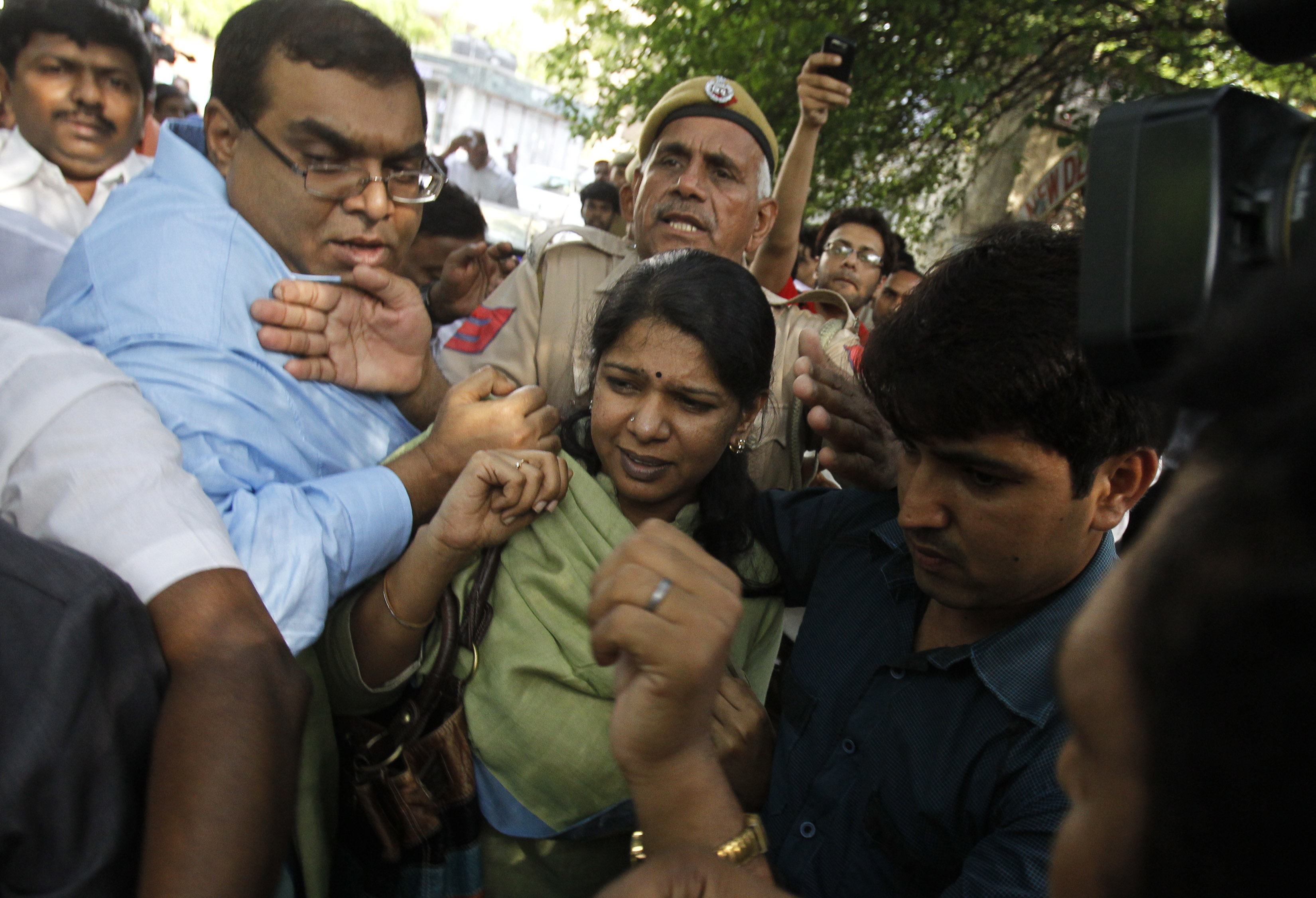 Kanimozhi leaves a court in New Delhi May 6, 2011. Credit: Reuters