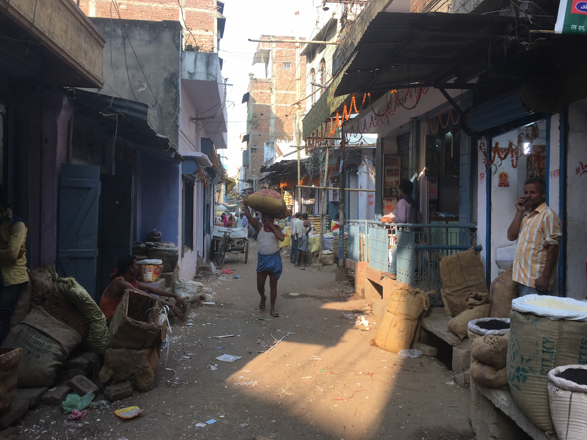 The empty streets in Patna's Maroofganj mandi. Photo: M Rajshekhar