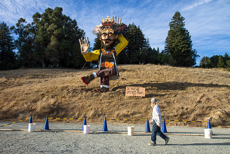 Watsonville, California: Mount Madonna Center, a spiritual retreat founded by Hari Dass, a silent monk who came to the US from India in the early 1970s, celebrates Navratri with daily pujas and the ritual destruction of a 12-meter Ravana.