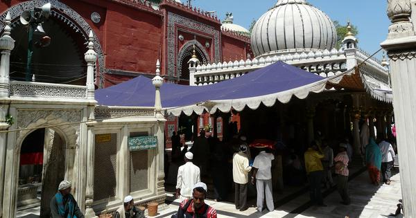 Nizamuddin Dargah: Centre and state asked to reply to plea seeking entry of women into shrine