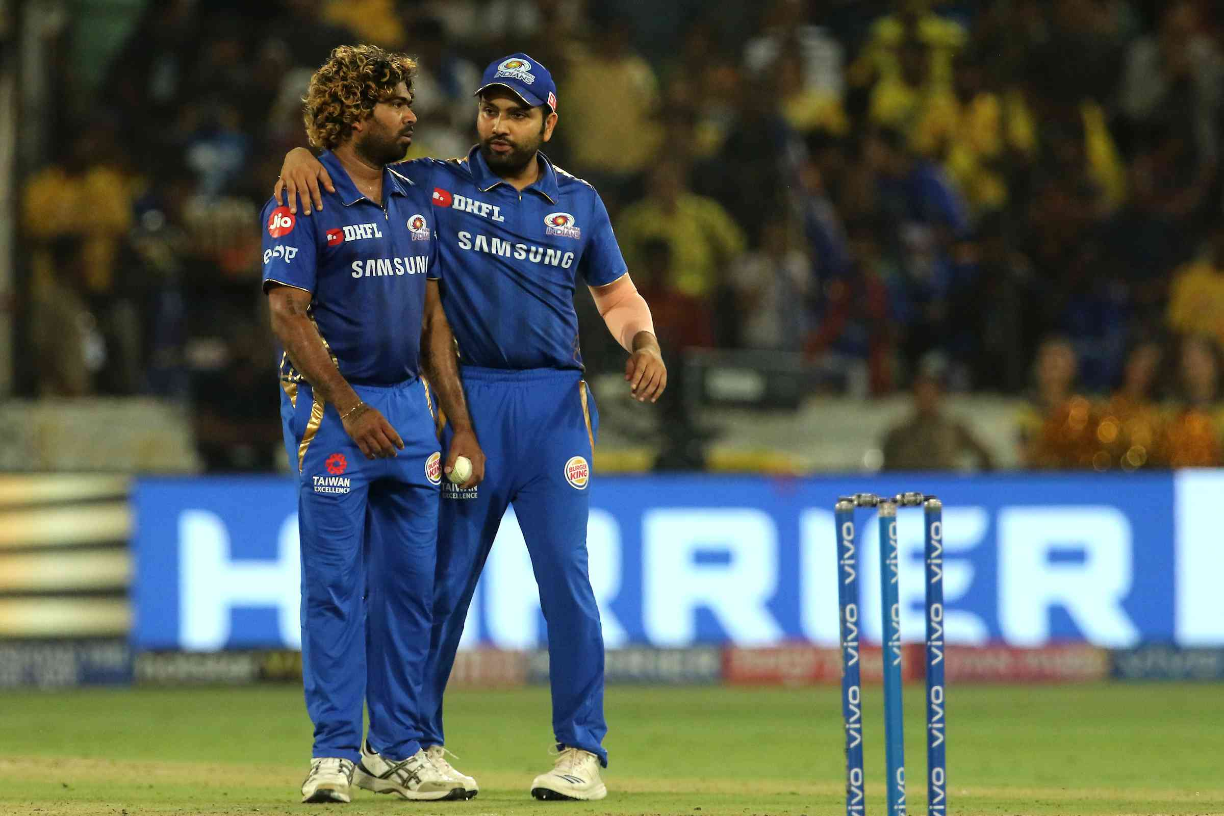 Rohit Sharma lends his support to Lasith Malinga on Sunday – Vipin Pawar / Sportzpics for BCCI