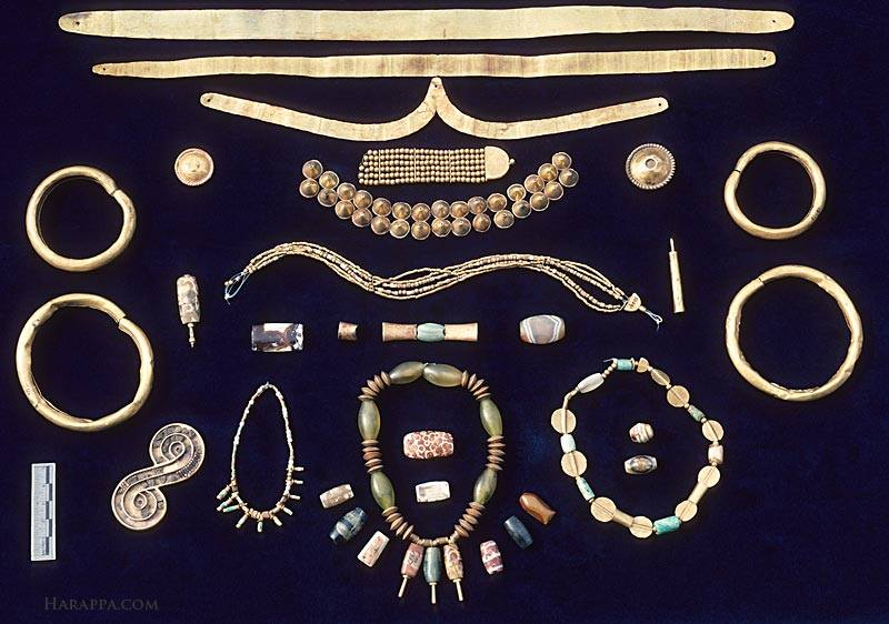 Jewellery from Mohenjo Daro. Courtesy www.harappa.com.