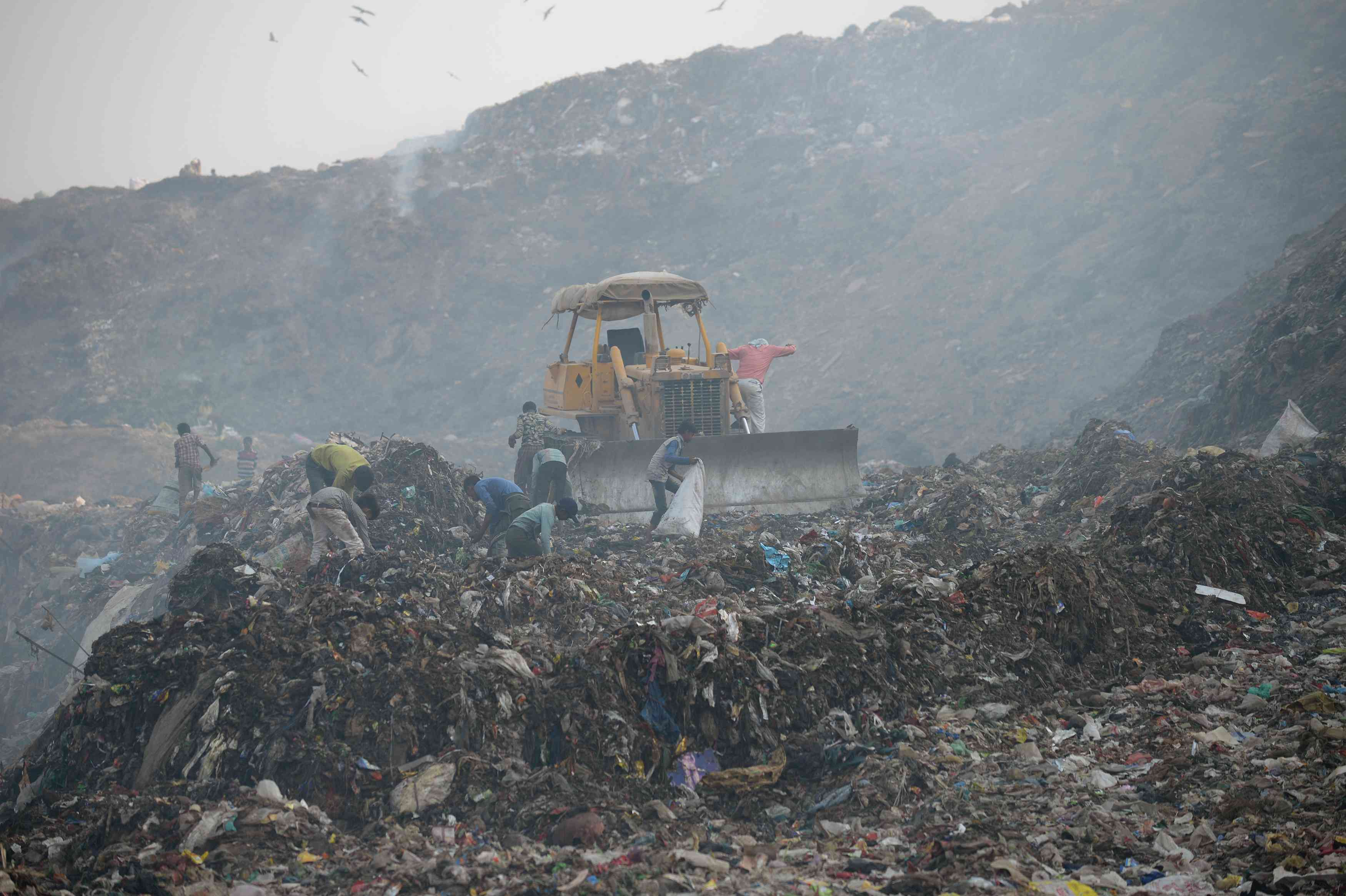 Scenes from the Bhalswa landfill. Credit: Sajjad Hussain/AFP