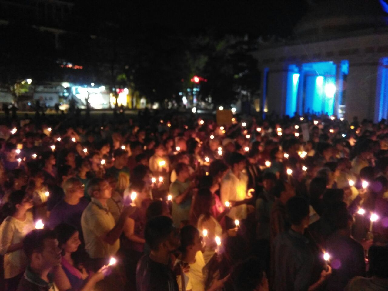 An estimated 2,0000 people gathered for a candlelight vigil in Azad Maidan in Goa's capital of Panjim. (Credit: Pamela D'Mello)