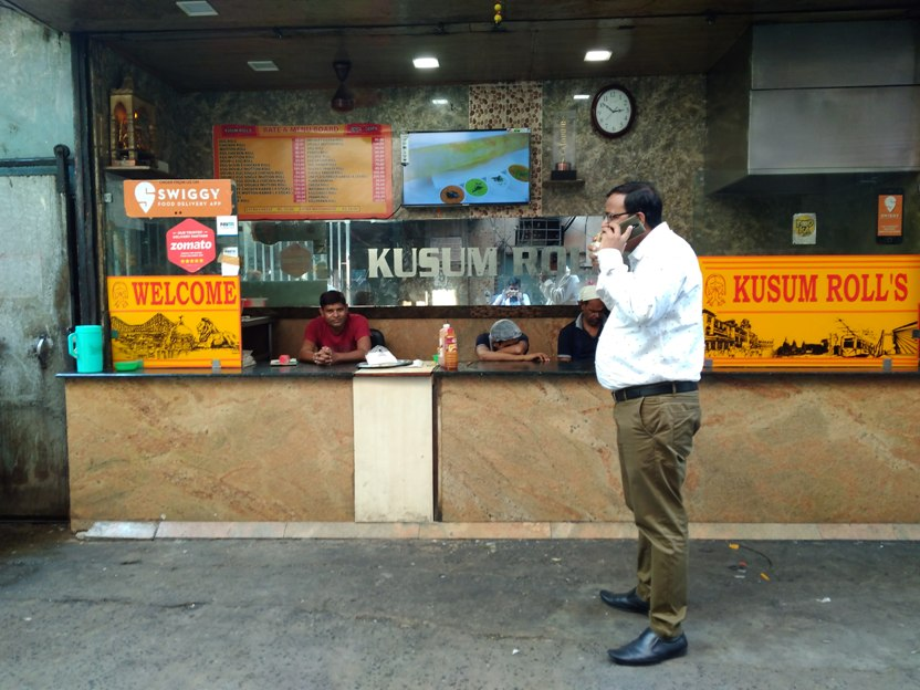 Kusum Rolls at Park Street. Image credit: Devarsi Ghosh.