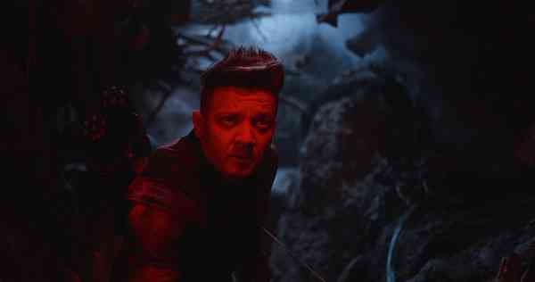 Jeremy Renner as Hawkeye in Avengers: Endgame (2019). Courtesy Marvel Studios/Disney.