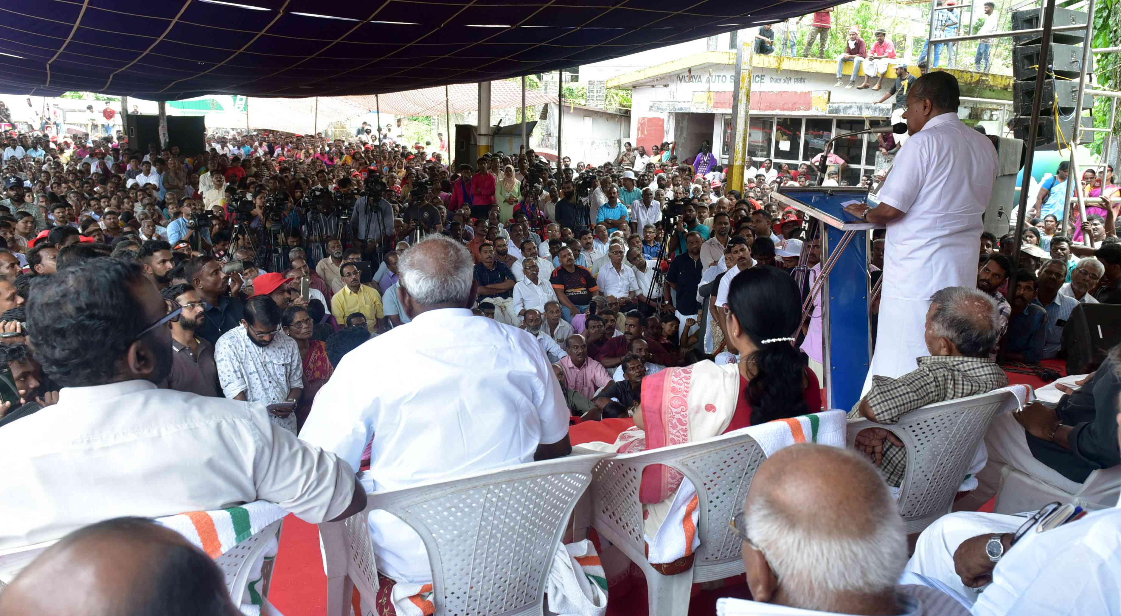 Pinarayi Vijayan addresses a campaign rally in Wayanad. Photo credit: Ratheesh