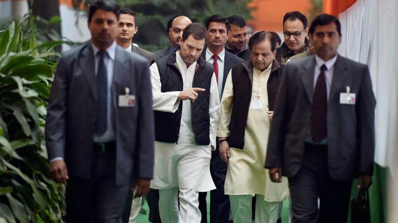 Can Rahul Gandhi afford to relegate Ahmed Patel to the margins? (Credit: PTI)