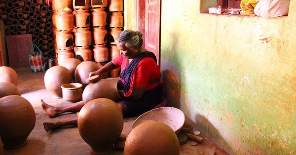 What happens when Meenakshi from Manamdurai beats a pot 3,000 times