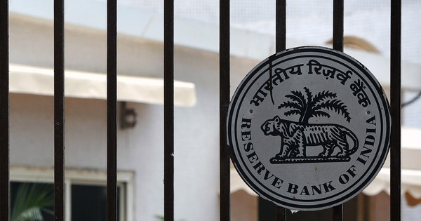 RBI keeps key rates unchanged, Sensex remains in green