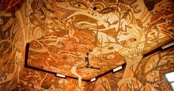 In Bihar, mud paintings on school walls are helping discuss problems like poverty and joblessness