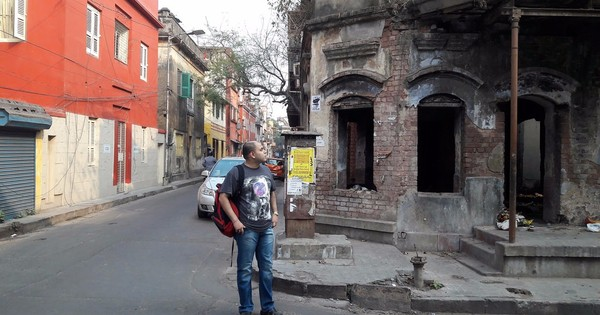 A walk with a graphic novelist through Kolkata's 'haunted' houses that feature in his book