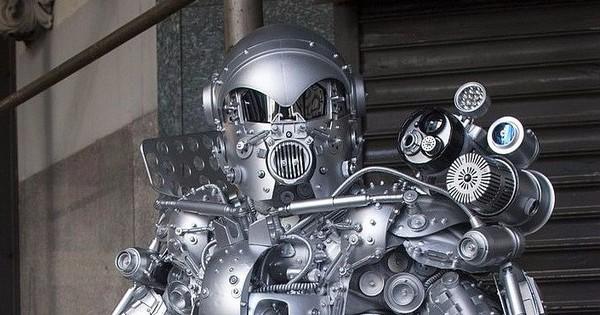 यह रोबोट दुनिया के सबसे मजबूत पल्लेदारों में से एक है