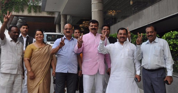 Uttarakhand rebel Congress MLAs to remain disqualified from floor test, rules Supreme Court