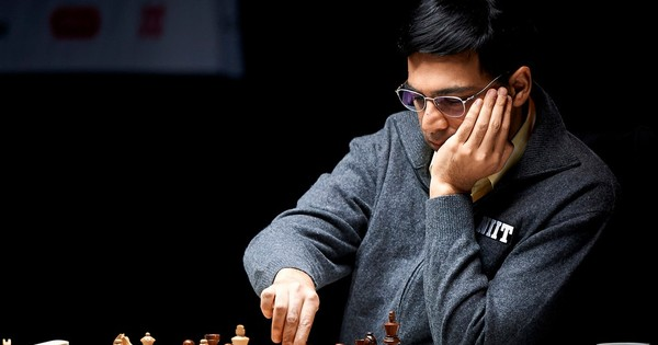 Viswanathan Anand jumps to joint second in London Chess meet