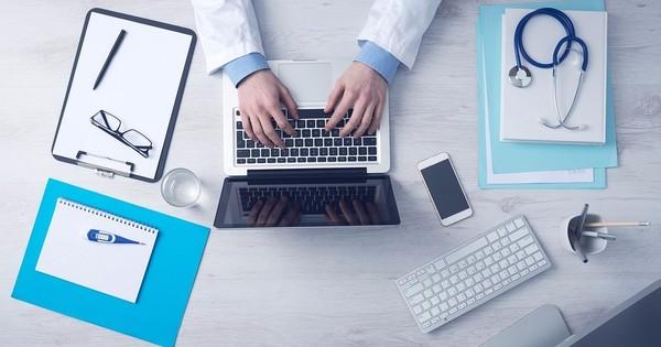 कैसे एंट्रेस टेस्ट में फेल होने वालों को सरकारी मेडिकल कॉलेजों में दाखिला मिल रहा है