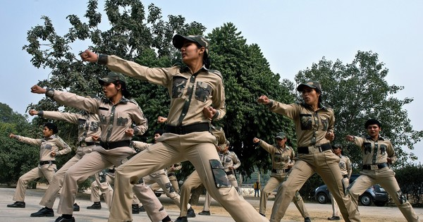 These four charts show how far India's policewomen still have to go to gain equality