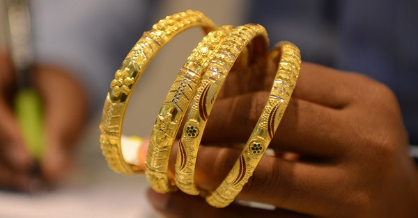 With economic jitters, gold imports surge 85%