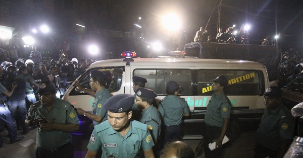 Bangladesh executes two opposition leaders for war crimes