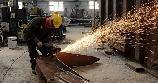 India's factory output grows by 7.1% in February, retail inflation down to 4.28%
