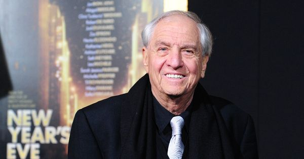 'Pretty Woman' director Garry Marshall dies at 81