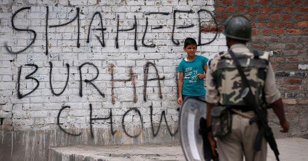 With schools still shut, many Srinagar kids huddle indoors. Others set up roadblocks