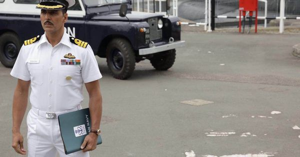 Akshay Kumar, Twinkle Khanna served legal notice for auctioning naval uniform from 'Rustom'