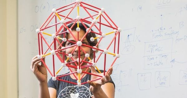 The maths behind 'impossible' never-repeating patterns