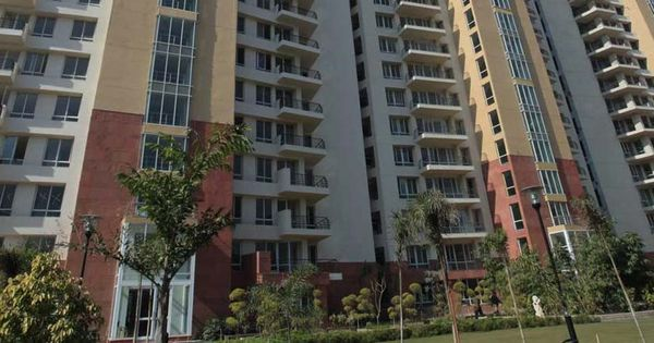 SC asks realty group Unitech to pay Rs 15.5 crore interest to 39 home buyers within eight weeks