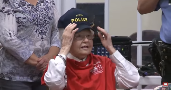 Watch: Why did the police arrest this 102-year-old woman from Missouri in the United States?