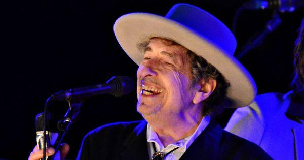 Readers' comments: Biased media, Bob Dylan's Nobel Prize and caste-based discrimination