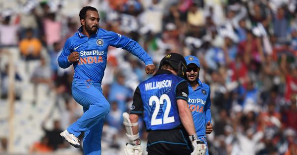 Lower order bails New Zealand out, post 285 against India in 3rd ODI