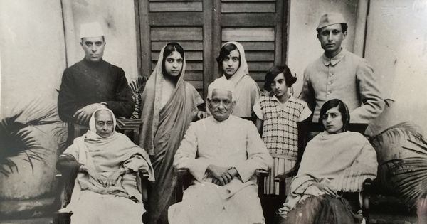 A photo exhibition reflects on Indira Gandhi's life through unpublished images