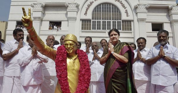 The Daily Fix: The AIADMK predicament isn't new – it faced a similar crisis 30 years ago